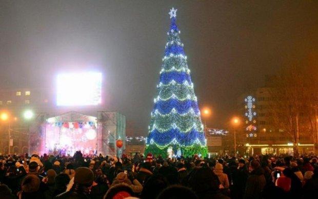 Новый год на фронте: в сети показали, куда боевики привлекли жителей