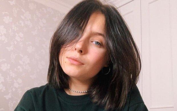 """Дочь Кравец из """"Квартал 95"""" отрывается на коньках под украинские лозунги: """"Маша патриотка"""""""