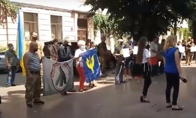 Ветерани АТО штурмують мерію Чернівців – стали відомі вимоги активістів