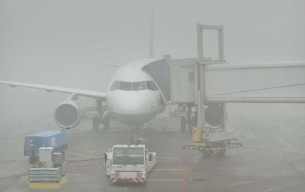 Густий туман змусив киян скніти в аеропортах: які рейси затримують