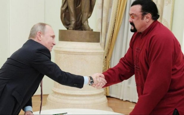Засунув руку в труси: стало відомо, чому Сігал втік до Росії