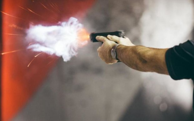 Стрілянина під судом в Києві: що світить добровольцеві, який поранив поліцейського