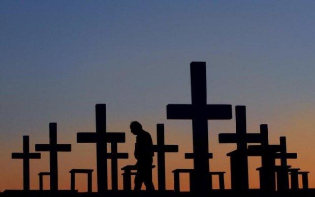 Плювати на віковічні традиції: Кабмін переписав правила поховання
