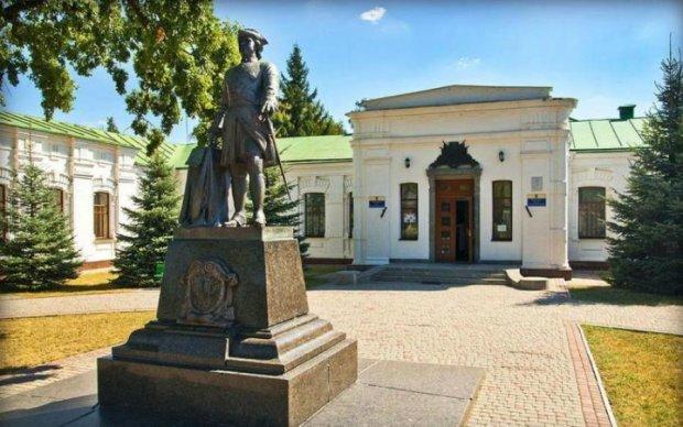 Пам'ятник самому європейському росіянину змінив колір