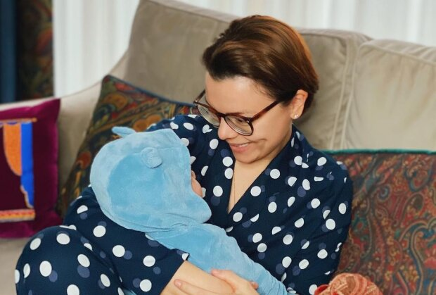 Молодая жена Петросяна после рождения сына подтвердила, что дети портят отношения