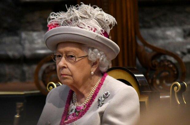 Королева Елизавете II заболела после отъезда Гарри и Меган: информация из Букингемского дворца