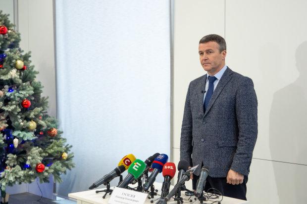 Протягом вихідних Київ від снігу прибирали 389 одиниць спецтехніки, – КМДА