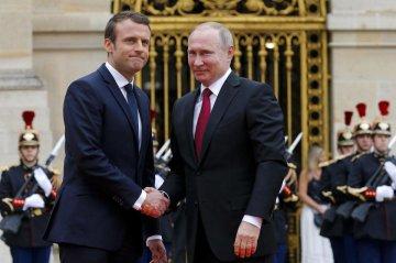 """Путин позвонил Макрону и пожаловался на """"упрямую"""" Украину: надо что-то делать"""