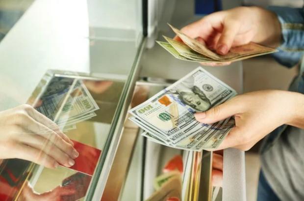 В Україні долар повинен коштувати 9,68 грн: Mcdonalds розставив всі крапки над і