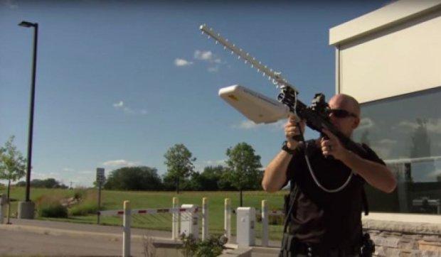 Американские военные будут сбивать радиоволнами беспилотники (видео)