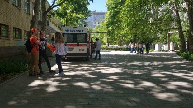 В рідне місто Зеленського прийшла біда, відкачують десятки дітей: шкільна трагедія приголомшила Україну