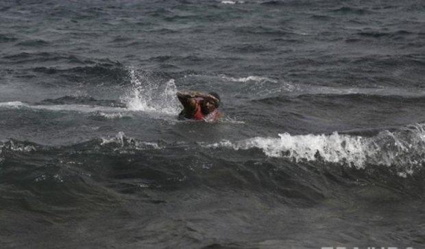 Сирийский беженец 7 часов плыл в Грецию