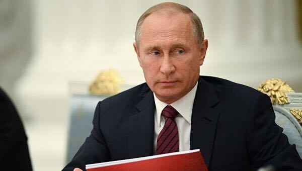 Путин стянул сотни танков к границе Украины: готовит вторжение