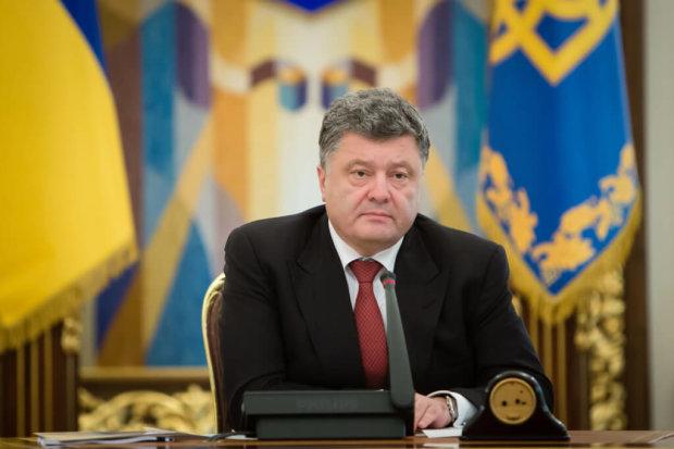 Генпрокуратура выдвинула официальные подозрения ближайшему окружению Порошенко