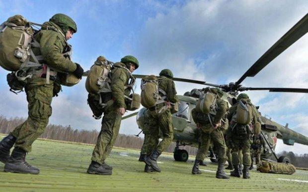 Російський вертоліт на навчаннях розбомбив глядачів: шокуючі кадри