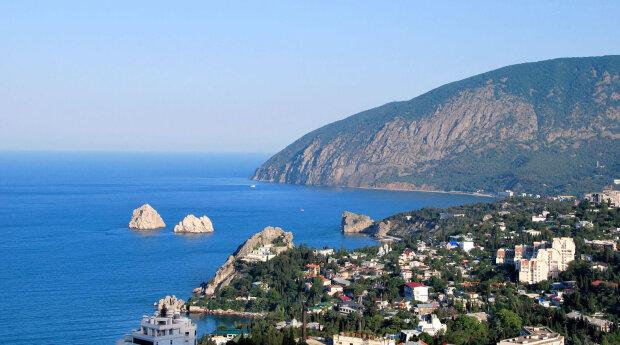"""Пляжі Криму заполонили дикі """"туристи"""", прогнали навіть найсміливіших: """"VIP-клієнти підкотили"""""""
