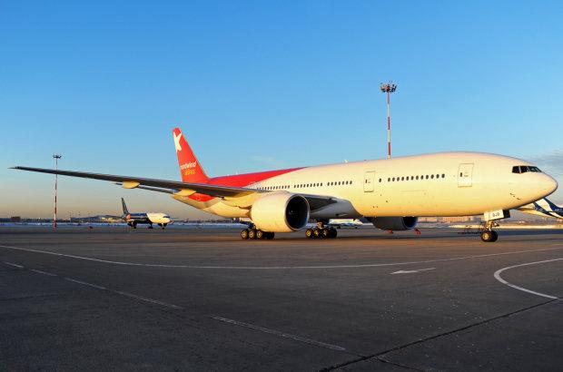 Бегут по схеме Януковича: золотой самолет Мадуро приземлился в Москве, фотофакт