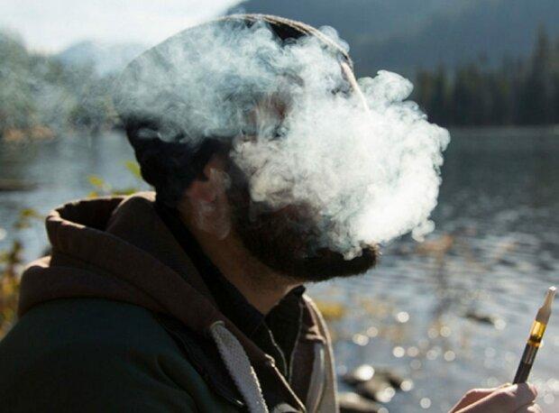 Перша смерть від вейпінгу: любителі попускати дим віддають найдорожче, не зарадить ніхто