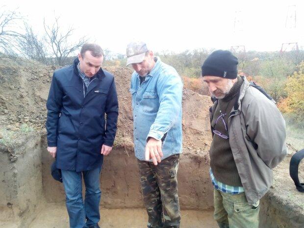 Археологи, фото: социальная сеть Facebook