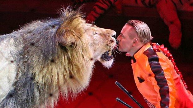 Жодних тварин у цирках: українці знайшли звірятам будинок замість холодної клітки