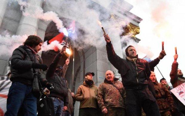 У Путина посоветовали нищим крымчанам во всем винить Украину