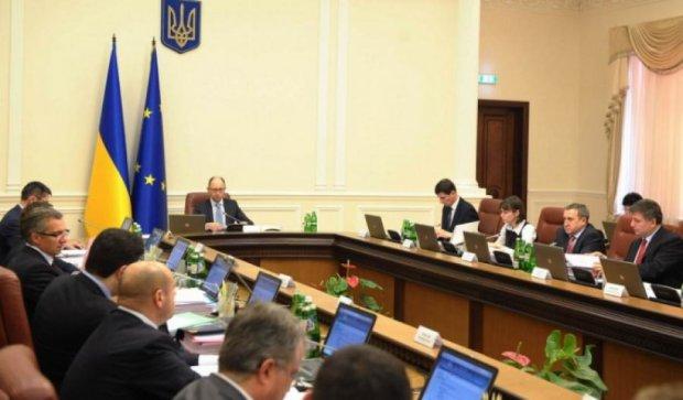 Кабмин запретил чиновникам пользоваться mail.ru и yandex.ru