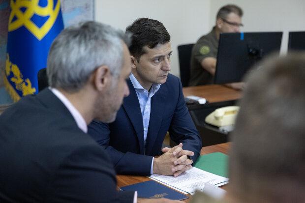 У Зеленського вигадали ноу-хау для держслужбовців: звільнення буде максимально легким і безболісним