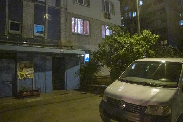 В Киеве мужчина повесился в собственной квартире: в петлю толкнуло одиночество