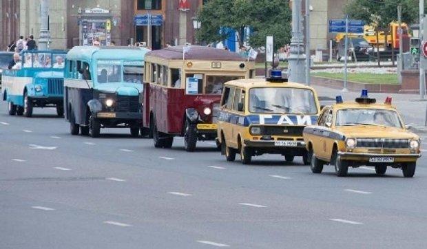 Десятки старинных автомобилей проедут по Киеву 26 июня