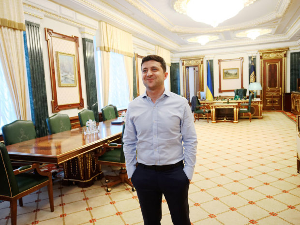 Зеленский переезжает в Украинский дом: дружки Кличко вставляют палки в колеса, - что ответит слуга народа