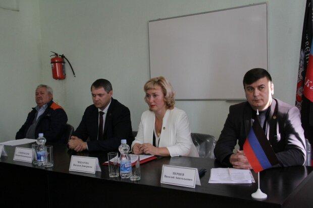 """У """"ДНР"""" вирішили """"промацати грунт"""": що думають жителі окупованих територій про повернення в Україну"""