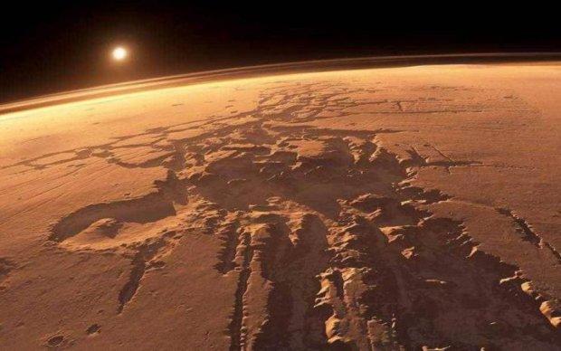 Марс приховує кипляче озеро
