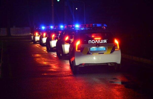 """Семь авто полиции и две """"скорые"""": в столице неизвестные устроили """"стенка на стенку"""", досталось копам"""