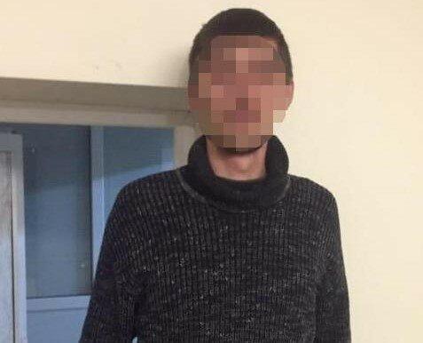 У Львові пограбували дівчинку, фото Національної поліції