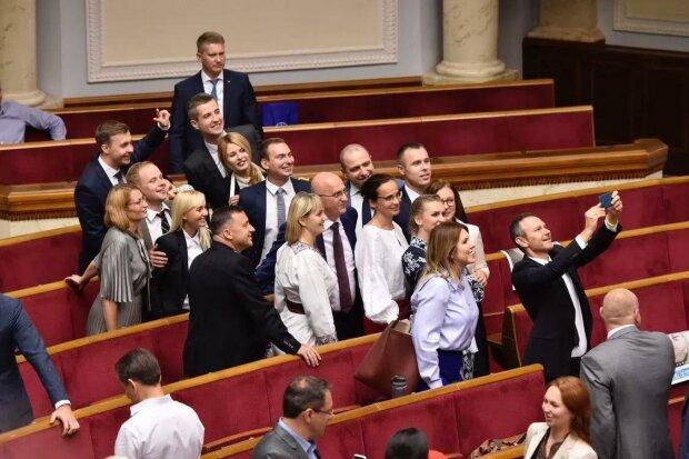 """У """"Голосі"""" посунули Вакарчука: хто тепер очолює фракцію"""