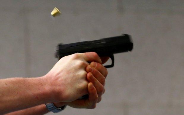 Хулігани обстріляли дитячу лікарню в Дніпрі: фото
