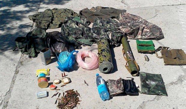 «Айдар» разоблачил группу террористов и показал их личные вещи (фото)
