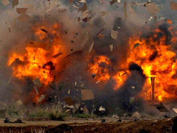 Мост все-таки взорвали: украинский город потряс масштабный теракт, фото