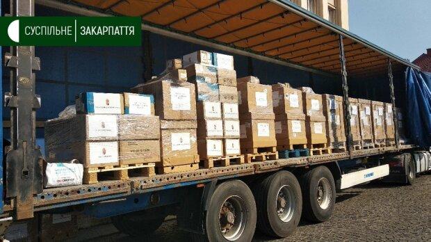 Венгрия передала больницам Закарпатья медицинское оборудование, фото suspilne.media