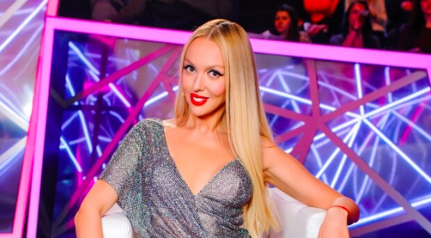 """Полякова у відвертому боді змусила танцювати навіть Каменських, Данилко і Кондратюка: """"Енергія через екран"""""""