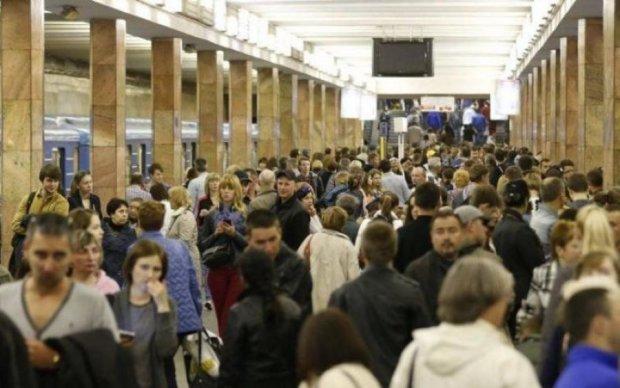 Срочная эвакуация: находка в метро шокировала всех