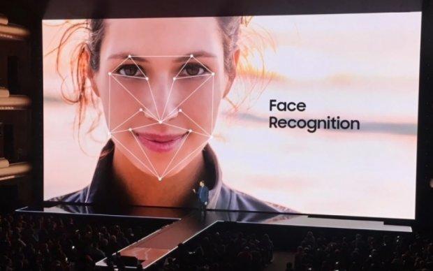Функцию распознавания лица в Galaxy S8 обманули с помощью фото