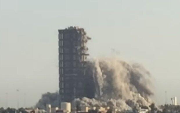 Знесення хмарочосу в Абу-Дабі, скріншот відео
