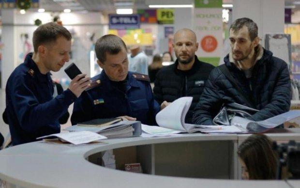 Закрыть к чертовой матери: пожарные проверили украинские ТРЦ после трагедии в Кемерово