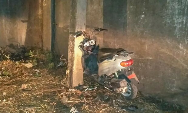 Под Запорожьем пьяная мать отправила дочь в кому после ДТП, нужна помощь - ехали на скутере