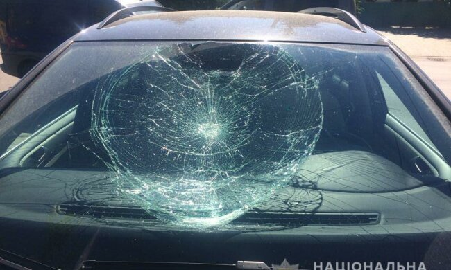 В Ужгороде мужчина повредил семь автомобилей