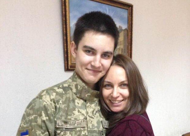 Син Віктора Павліка з матір'ю: Лора Созаева / Facebook