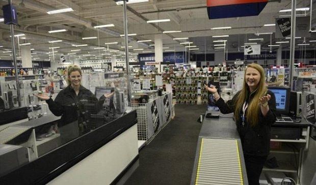 """Через онлайн-продажі """"чорна п'ятниця"""" в західних магазинах провалилась"""