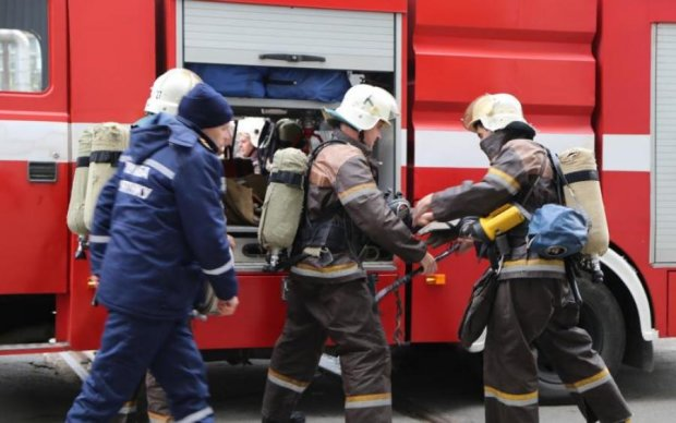 Киев в огне: крупный пожар поставил на уши столицу