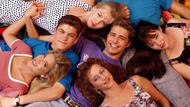"""Перезапуск """"Беверлі-Хіллз, 90210"""" б'є усі рекорди: як зараз виглядають зірки культового серіалу"""